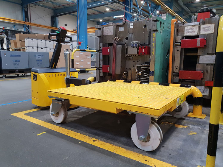 MotorMover electric tug and trolleys